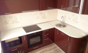 Где можно выбрать недорогую угловую кухню?
